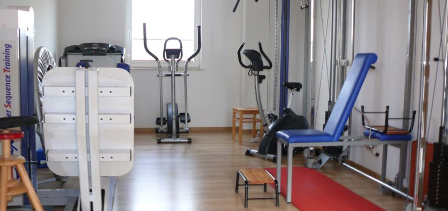Physiotherapie-Zobel-Dresden-Geraete-Trainingsraum