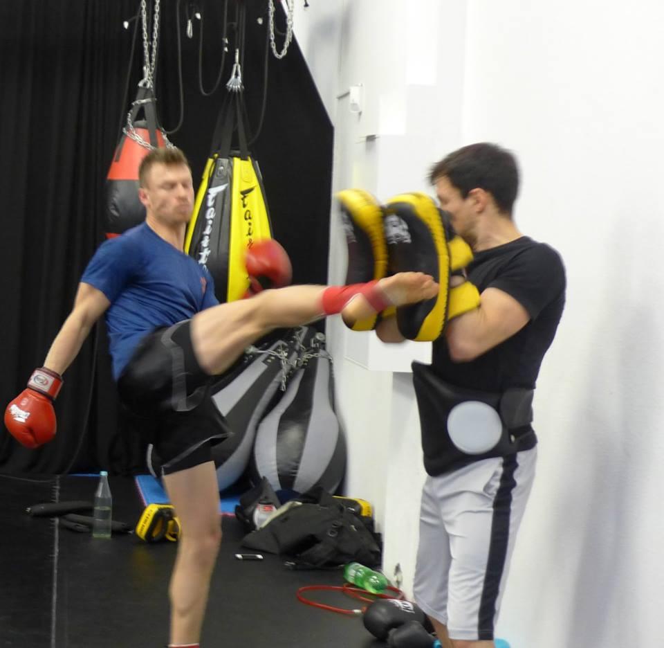 Muay-Thai-Thaiboxen-Trainer-Maximilian-Heuschkel-Leipzig-Dresden-Sachsen